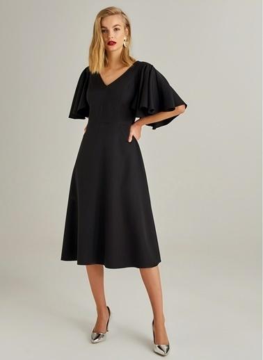 Monamoda Kolları Volan Detaylı Elbise Siyah
